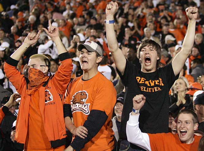 Oregon State fans celebrate the Beavers' 31-28 upset over No. 2 Cal.