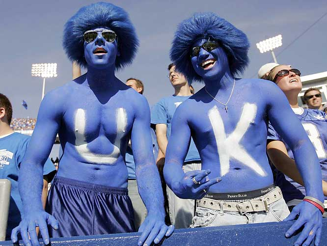 These Kentucky fans are excited about the upcoming Smurfs movie.
