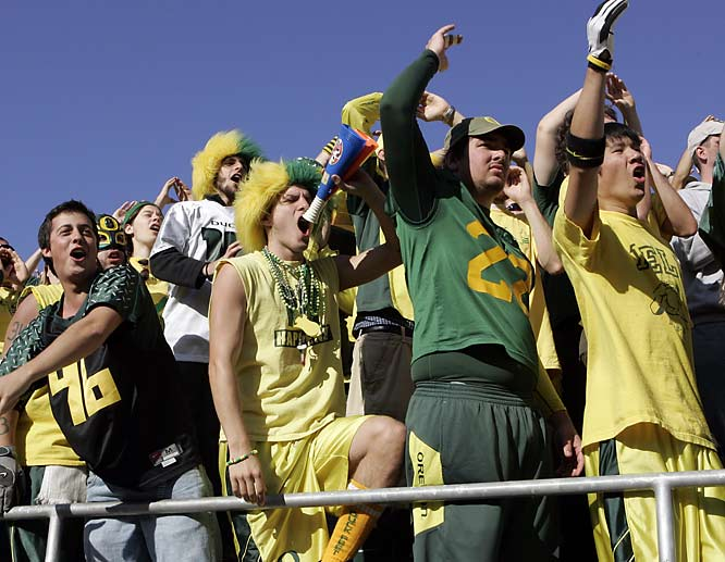 Oregon fans let out a cheer during the Duck's victory over PAC-10 rival USC, 24-17.