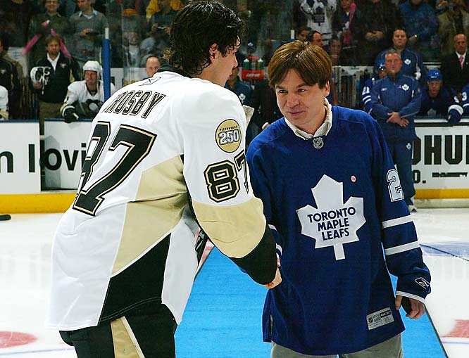 Mike Myers looks to be channeling his Dr. Evil as he shakes hands with Sidney Crosby before the Leafs-Penguins game last weekend.