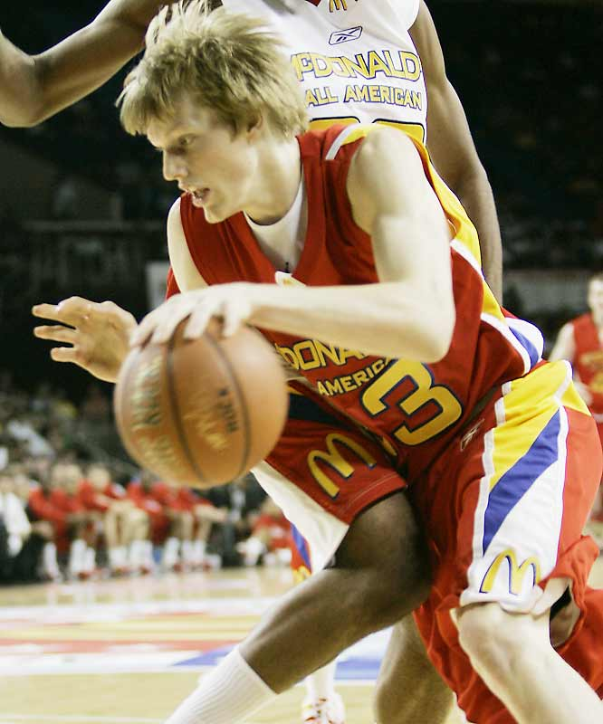 Singler, at 6-foot-8 and 210 pounds, isn't the low-post presence that the Blue Devils desperately need ... but he happens to be perhaps the best wing player in the Class of '07 -- both a polished perimeter shooter and a tenacious, long-armed defender. The Medford, Ore., product should run away with ACC rookie of the year honors.