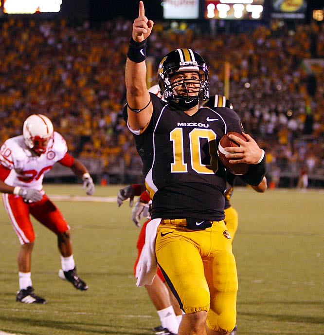 Daniel's helping Missouri forget about record-setting QB Brad Smith with relative ease. Daniel ranks fifth in the nation in passing yards per game (326.14). In Missouri's impressive 41-6 rout of Nebraska, Daniel passed for 401 yards and two touchdowns and ran for 72 yards and a pair of scores.