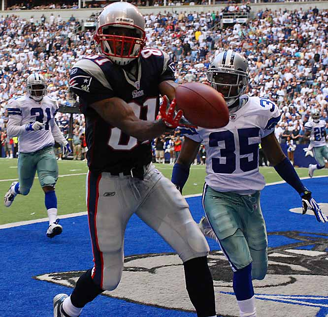 Randy Moss thought he had caught a 43-yard touchdown pass in the third quarter, but the play was overruled.