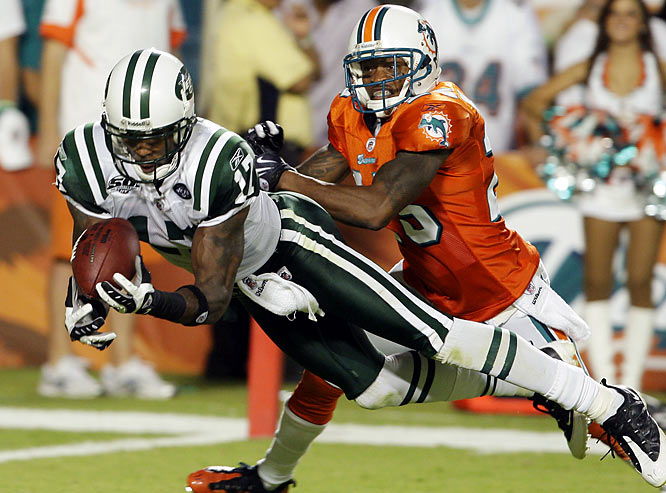 Oct. 7, 2009:  New York Jets acquire WR Braylon Edwards; Cleveland acquires WR Chansi Stuckey, LB Jason Trusnik and undisclosed draft choices.   The Browns shipped Edwards to the Jets just days after the former first-round pick allegedly punched a friend of Cavaliers' star LeBron James -- the latest in a long string of off-the-field incidents. The Jets, off to a surprising 3-1 start under first-year coach Rex Ryan, hoped Edwards could fill the void left by Laveranues Coles, who left the team in free agency during the offseason.