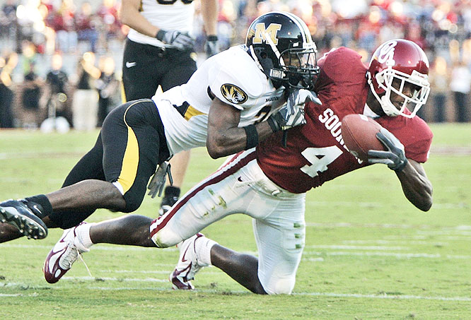 Malcom Kelly caught five balls for 58 yards as the Sooners handed Missouri its first loss and kept the Tigers winless in Norman since 1966.