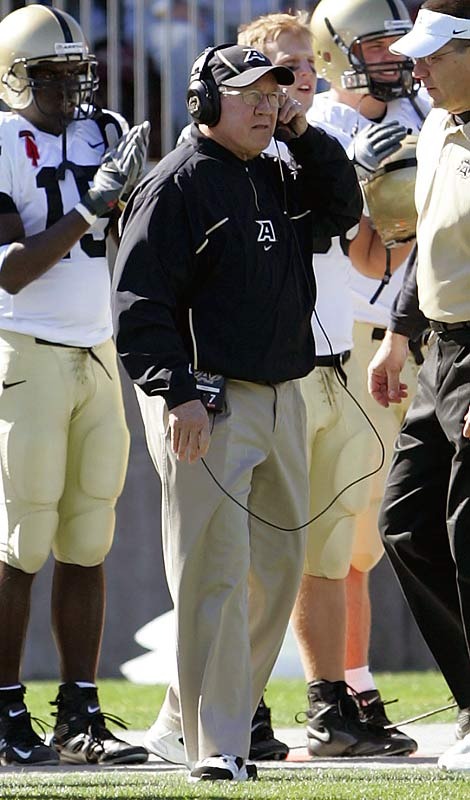 A great coaching career ended when Ross retired following his third consecutive losing season at Army. After coaching at the Citadel and Maryland, Ross won a share of the 1990 national championship at Georgia Tech, took San Diego to a Super Bowl and also coached Detroit. But he retired last January, spent and frustrated.