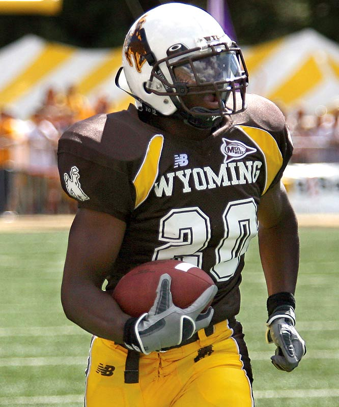 Known as Dr. J, Stinson is a star on Wyoming's surprisingly stout defense (which currently ranks sixth in total defense, giving up just 284.88 yards per game). He leads the Cowboys in interceptions (three), pass breakups (six) and ranks third in tackles (53).