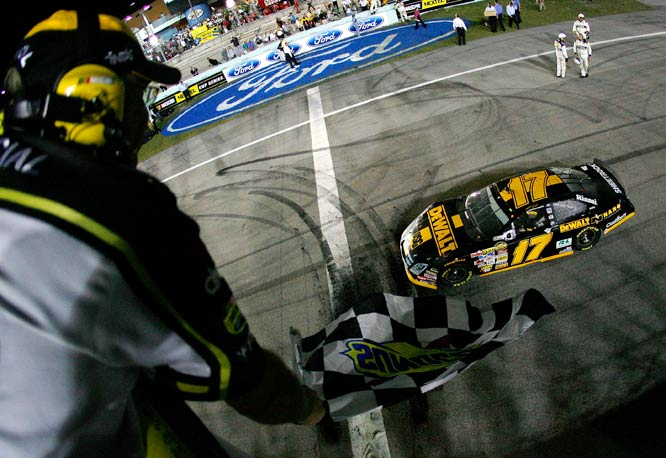 Matt Kenseth set the stage for 2008 by winning the Ford 400 at Homestead, FL.