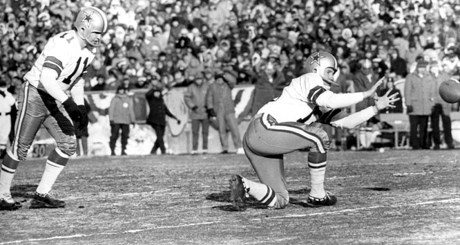 The Redskins and Cowboys crystallized their rivalry during a four-game span from '65 through '67, as the division rivals combined for 222 points with just 10 points separating the two sides overall. The first of these memorable meetings saw Washington overcome a 21-0 deficit to take a 34-31 lead -- ensuring victory when Lonnie Sanders blocked Danny Villanueva's field goal with seven seconds left.
