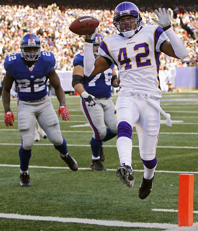 Giants quarterback Eli Manning had a terrible day, and it all started on a misread when he inadvertently tossed it to the Vikings' Darren Sharper who returned it for a touchdown. Manning threw four picks in total, three of which were returned for scores.