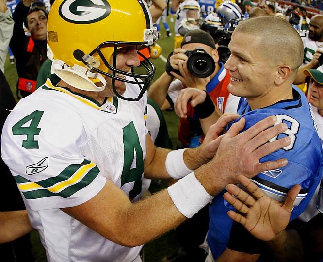 "Brett Favre set a Green Bay record with 20 consecutive completions and finished with a season-high 381 yards and three touchdowns.  After the game, Lions quarterback Jon Kitna remarked, ""He's the greatest ever."""