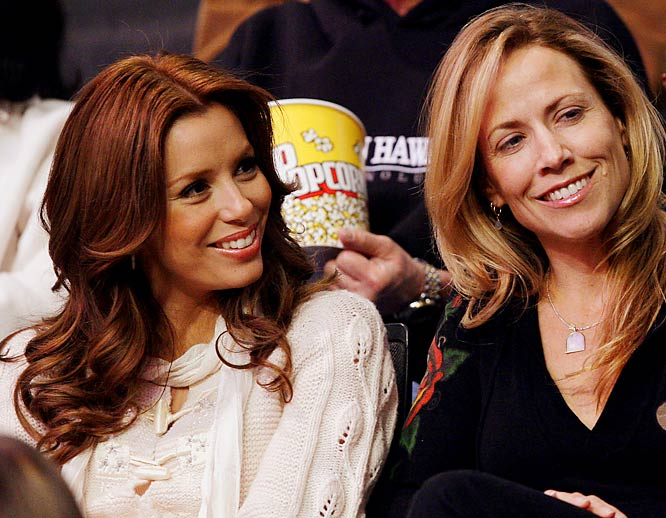 The stars returned to the Staples Center on Thursday for L.A.'s game against the Spurs. Eva Longora watched hubby Tony Parker with friend Sheryl Crow.