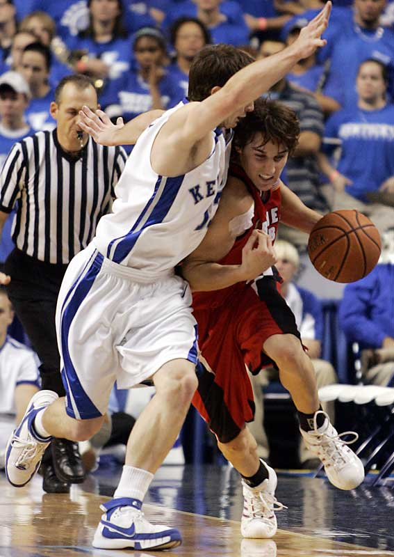 Nov. 7 in Lexington, Ky.<br>84-68<br><br>Billy Gillispie's second game as Kentucky's head coach was a nightmare -- and it still ranks as the biggest upset of 2007-08. The 'Cats lost out on a trip to New York for the 2K Sports College Hoops Classic by falling to Gardner-Webb at Rupp Arena. The Bulldogs had gone 9-21 the previous season and were picked to finish in the bottom half of the Atlantic Sun conference.