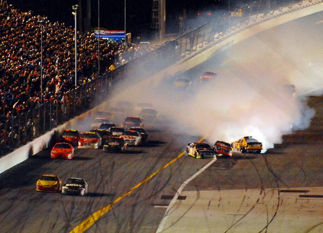 With a multi-car crash directly behind them as they headed for the checkered flag, Kevin Harvick beat Mark Martin by .020 of a second in one of the most spectacular conclusions in Daytona 500 history.