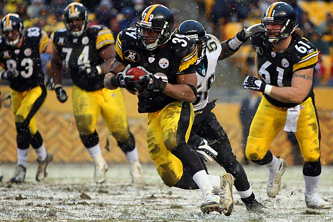 Willie Parker ran for 100 yards on only 14 carries, despite an already soggy field, made even mushier by snow that fell immediately before the opening kickoff and for most of the second half.