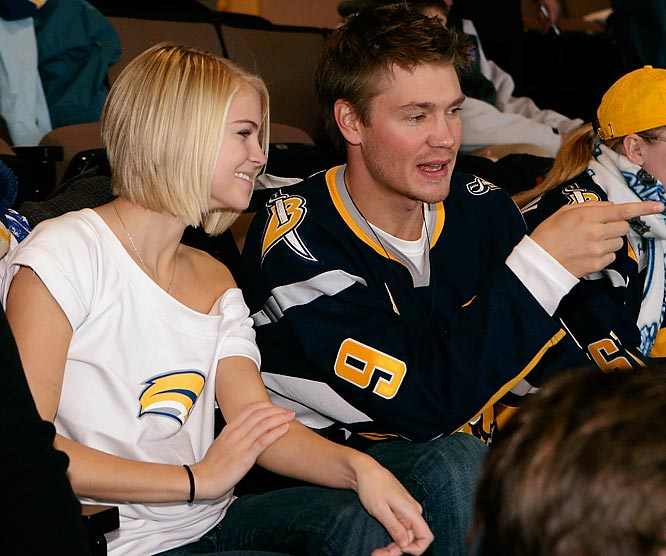 I'd say Buffalo native Chad Michael Murray is a wimp for not watching the NHL Winter Classic outside, like most fans at the game, but from the looks of his date, he made the right choice.