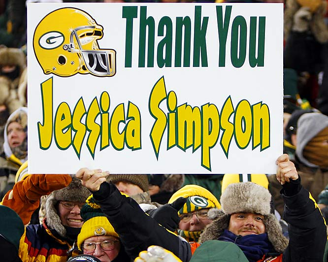 We wonder what this Packers fan did with this sign after the Giants beat the Packers.