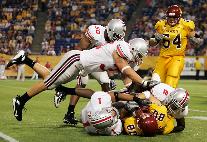 Ohio State had no trouble with lowly Minnesota. Beanie Wells rushed for 116 yards and two touchdowns.