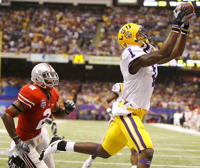 Brandon LaFell's 10-yard TD reception from Matt Flynn puts LSU ahead 17-10, a lead the Tigers would never relinquish.