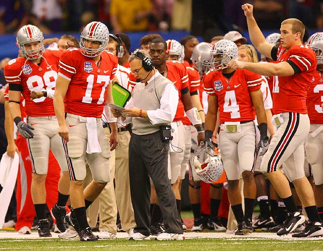 Ohio State coach Jim Tressel and quarterback Todd Boeckman (17) had little answers for the LSU defense, which forced the Buckeyes into three turnovers on the evening.