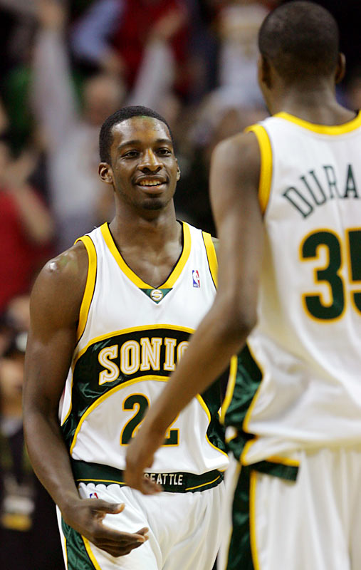 Green recently joined fellow rookie Kevin Durant in Seattle's starting lineup. Not surprisingly, Green ranks among the top five rookies in minutes as the Sonics evaluate what they have in the player who was a key piece of the Ray Allen trade.