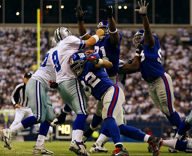 Strahan leading the charge to pressure Tony Romo.