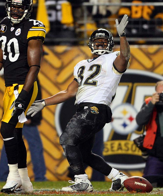 Maurice Jones-Drew, in a performance filled with big plays, scored on a 43-yard swing pass after one of Roethlisberger's interceptions and a 10-yard run that provided the 18-point lead.  Jones-Drew began the game with a 96-yard kickoff return the first time Jacksonville touched the ball, setting up a 1-yard touchdown run by Fred Taylor.