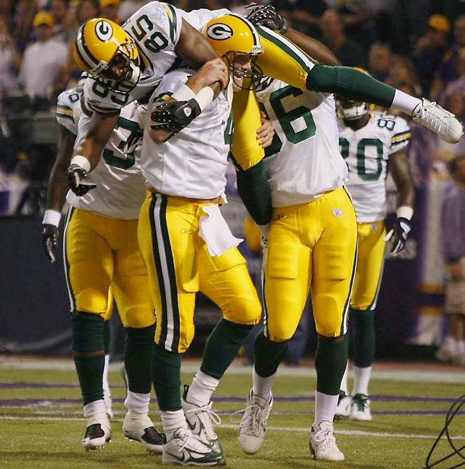 With a 16-yard touchdown strike to Greg Jennings in the first quarter -- the 421st of his illustrious career -- Favre eclipsed Dan Marino's all-time record for touchdown passes. And with a 33-yard rainbow to James Jones in the fourth, the gritty quarterback put the finishing touches on a divisional victory and Green Bay's first 4-0 start since 1998.