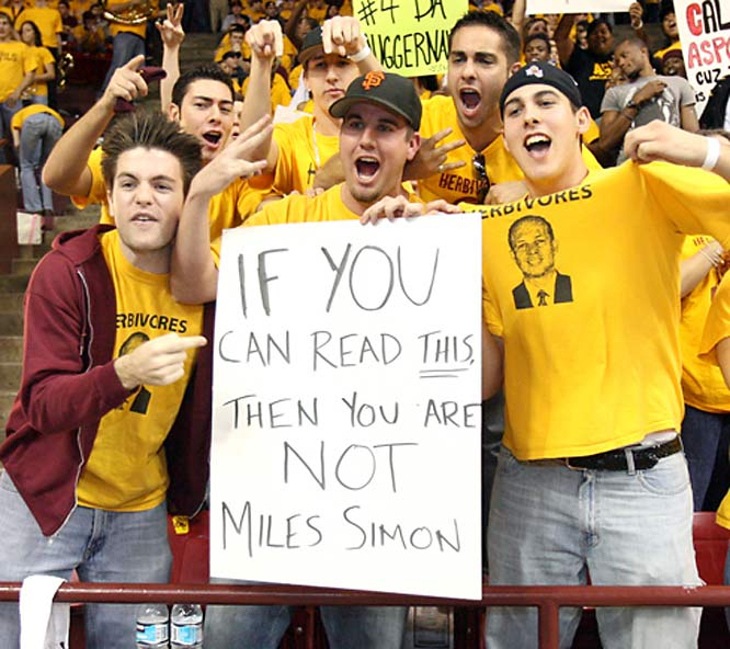 Arizona State fans taunt former Arizona great Miles Simon.