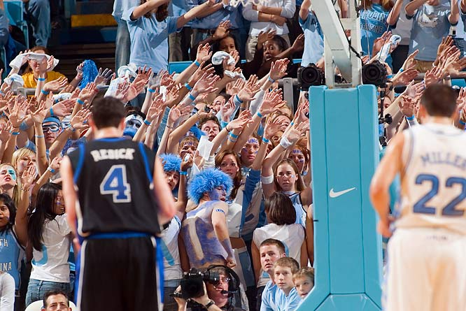 UNC fans harass J.J. Redick as he attempts a free throw.