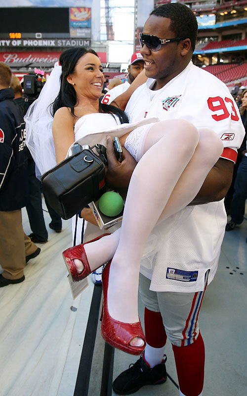 She picked up the pieces after Brady shot her down and had some fun with Giants defensive tackle Jay Alford.