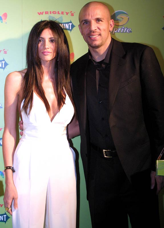 Jason Kidd should enjoy Dallas as long he has girlfriend/model Hope Dworaczyk by his side. The duo attended a party hosted by LeBron James last Saturday. Speaking of King James...