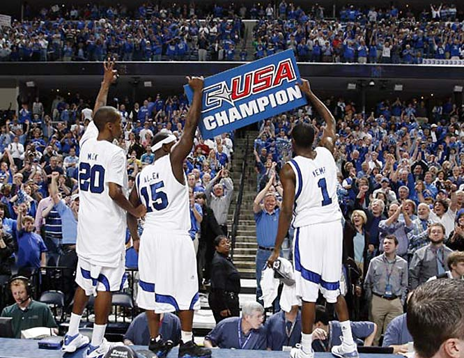 Memphis lets everyone know who the Conference USA champs are.