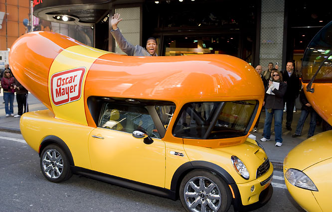 Although some Super Bowl champions (Michael Strahan) pass on big events in order to promote wieners.