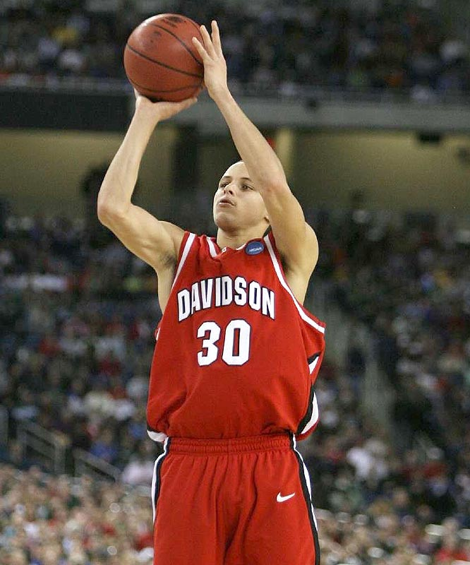 Stephen Curry scored 33 points to joins Clyde Lovellette (1952), Jerry Chambers (1966) and Glenn Robinson (1994) as the only players to score at least 30 points in each of their first three NCAA tournament games.