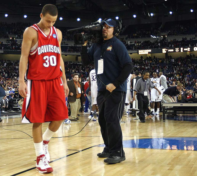 Stephen Curry, who became only the fourth player to hit the 30-point mark in his first four NCAA tournament games, finished with 25 Sunday and was picked Most Outstanding Player of the Midwest Regional.