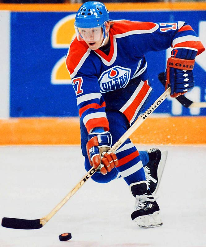 1984-85: <i>71</i> in 73 games <br>1985-86: <i>68</i> in 78 games <br><br>Wayne Gretzky's right wing scored 71 goals for the Oilers in 1984-85 and followed it with 68 the next season. Kurri ranks second all time to Jaromir Jagr among European goal scorers, with 601.