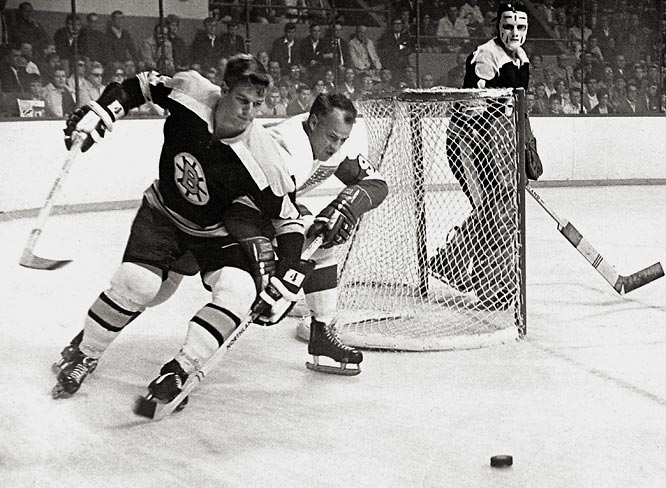 Orr made his NHL debut in 1966-67 with a rugged effort against Gordie Howe's Red Wings and went on to win the Calder Trophy as the NHL's Rookie of the Year. He finished second among defensemen in scoring with 13 goals and 41 points, and his plus 30 rating spoke loudly of his formidable all-around play.