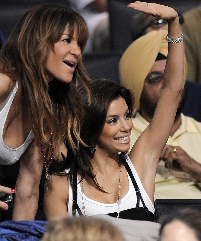 Eva Longoria Parker, shown here at last Sunday's Lakers-Spurs game, should know better than to distract her husband while he's playing.