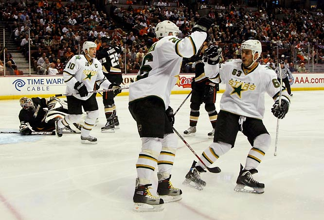 The Dallas Stars, eliminated in the first round of the last three postseasons, dominated the defending champion Anaheim Ducks 4-0 and 5-2 in the first two games of their series, both in Anaheim.