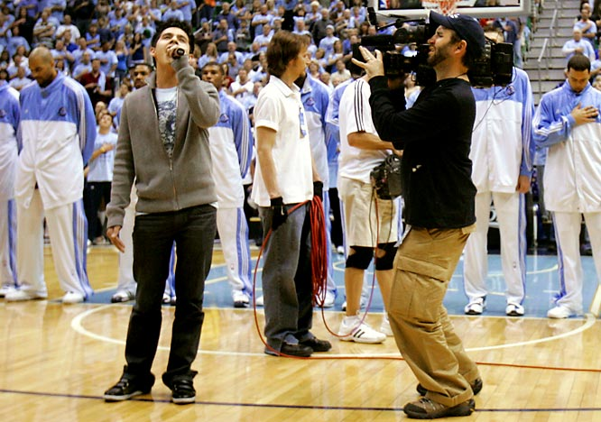 The show's other finalist, David Archuletta, sang the National Anthem before a Los Angeles Lakers-Utah Jazz game.