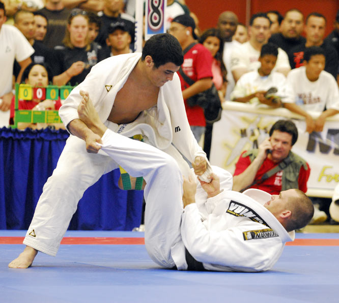 The son of Rickson, Kron was just 18 when he competed in the 2007 Pan American Games.