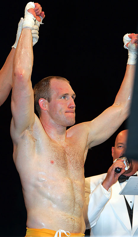 McGivern (pictured) will have to work hard to keep his belt and improved his 12-5 record. IFL followers know what Miller (7-1) did to Dave Phillips last year, but McGivern's bout against Fabio Leopoldo also showed that the champ can go all day in the ring. Endurance or submission -- which will be worth more?