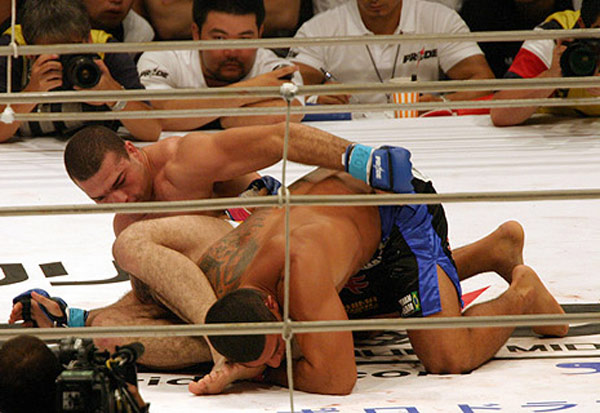 "With a historical feud between the two camps, newbies Ricardo Arona (bottom) of BTT and Mauricio ""Shogun"" Rua of Chute Boxe turned up the heat with their 2005 PRIDE fight as Rua used Arona's signature skill of finishing an opponent on the ground to beat his BTT rival by TKO."