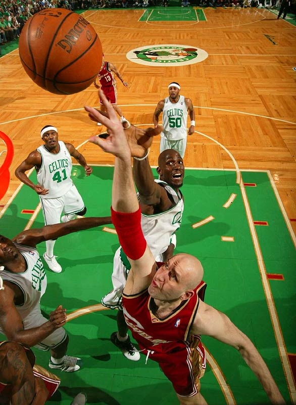 Zydrunas Ilgauskas of the Cavaliers got off his layup before Kevin Garnett of the Celtics could block the shot. Ilgauskas scored eight points in the 97-92 loss.