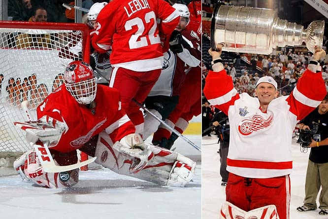 After winning the Stanley Cup for the second time in his stellar career, Dominik Hasek retired after 16 NHL seasons. The Dominator, who became famous for flopping to make saves, stands as the only netminder to twice be named the NHL's MVP (1997, 1998). His Hall of Fame credentials also include six Vezina Trophies as best goaltender (second all-time), 389 wins and the 1998 Olympic gold medal.