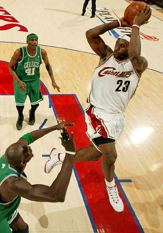 The King tallied 30 points in Boston, but it still wasn't enough for his team to take the series lead over the Celtics. Kevin Garnett & Co. claimed Game 3 on the road -- a feat they had yet to achieve in this season's playoffs -- for a 2-1 series advantage.