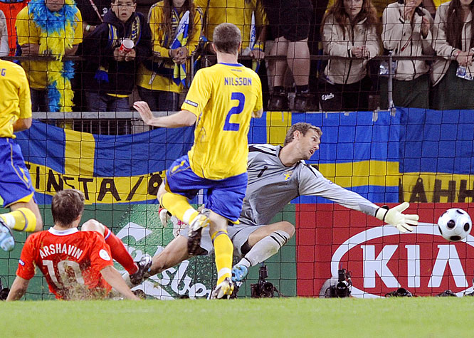 Having received a red card in Russia's final Euro 2008 qualifier, Arshavin sat out his team's first two games in group play with a suspension. But the gifted Zenit St. Petersburg midfielder made up for lost time in his return match, sliding out of a full sprint to direct Yuri Zhirkov's pass into the goal for Russia's second goal in the 50th minute.