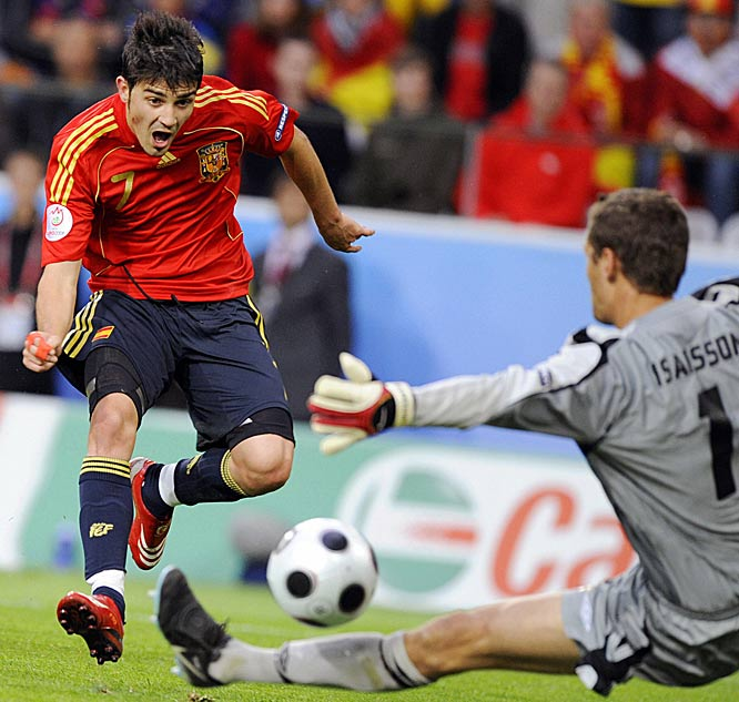 After logging a hat trick in Spain's first group match against Russia, the Valencia striker turned in a forgettable performance against Sweden until the final minute of stoppage time. With the Group D co-leaders locked in a 1-1 tie, Villa received Joan Capdevila's long pass, twisted up his defender and fired home a dramatic 92nd-minute winner at the Stadion Tivoli Neu in Innsbruck.