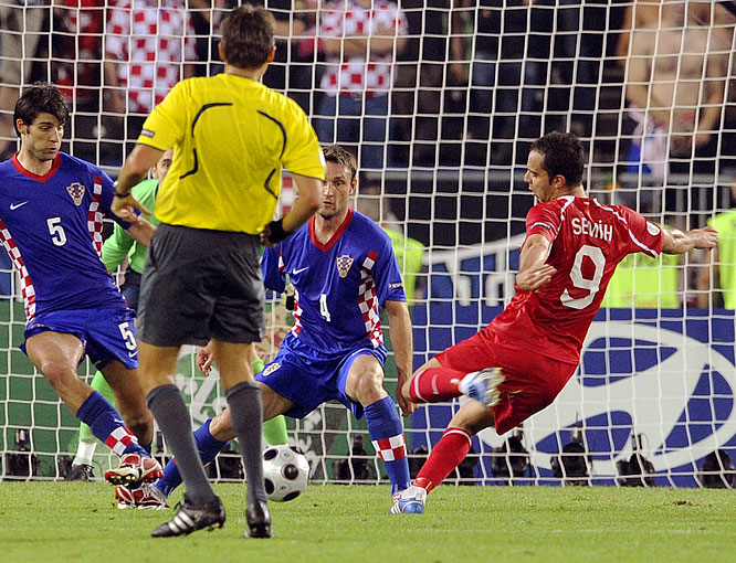 Trailing 1-0 and facing elimination in their quarterfinal clash with Croatia, the Turks engineered their third miraculous comeback of Euro 2008. When Turkish goalkeeper Rüştü Reçber's long clearance fell to Şentürk's foot at the edge of the penalty area, the Fenerbahçe striker turned and drove a left-footed shot into the top-left corner of the goal. The dramatic 122nd-minute equalizer sent the match to penalty kicks, where Turkey prevailed to advance into the semis.